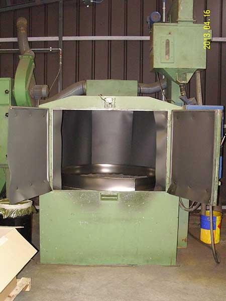 Granigliatrice con turbina tavola rotante